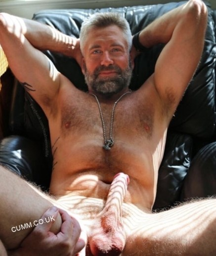 over-50-silver-foxes-with-erections