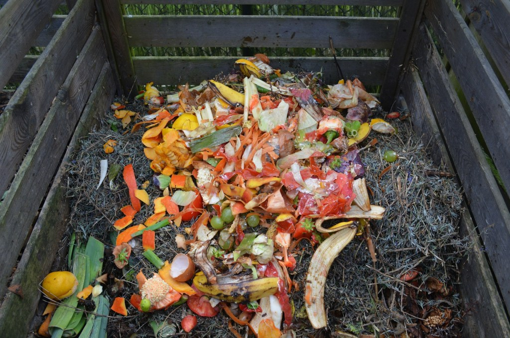 Kitchen Composting for $3 or Less