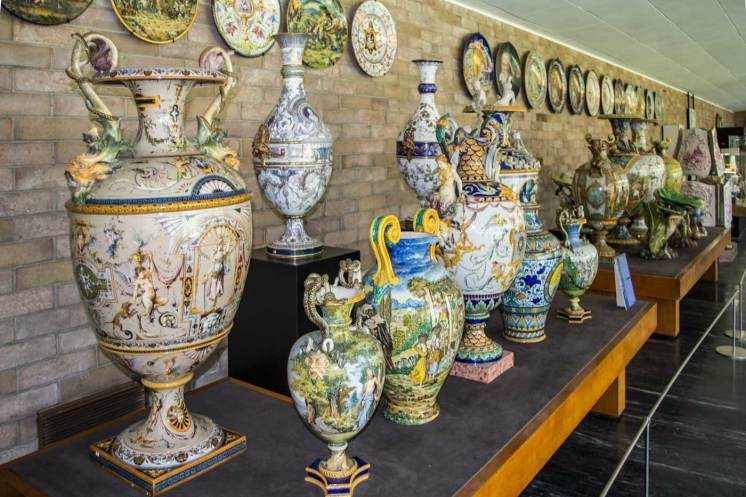 Alcuni degli esemplari di vasi conservati nel Museo.