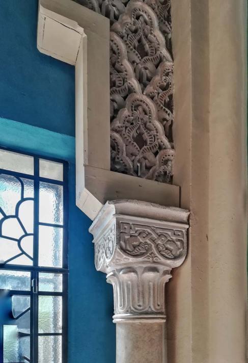 Rocchetta Mattei, Camera dei Novanta, dettaglio di una delle porte