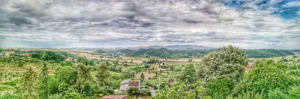 il paesaggio attorno a Lorenzana visto dalla terrazza della Locanda degli Antichi Sapori