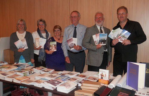 Unlock the Past guide book authors onboard this cruise with their books L-R: Janet Few, Rosemary kopittke, Helen Smith, Eric Kopittke, Paul Milner, and Chris Paton Missing from the photo are Shauna Hicks and Carol Baxter, both unwell at this time