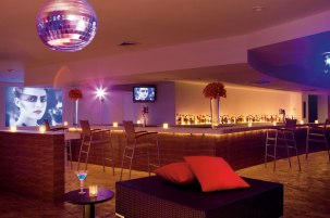 Dreams Huatulco Resort & Spa - Restaurants & Bars - Dance the night away at the Desires Music Lounge