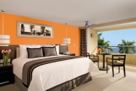 Dreams Huatulco Resort & Spa - Accommodations - The Deluxe Partial Ocean View rooms are located on the 4th, 5th and 6th floors, consisting of one king or two double beds, a full bathroom and a private furnished balcony