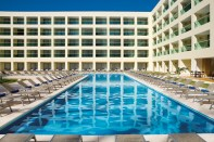 Dreams Huatulco Resort & Spa - Grounds - The pristine tropical pool at Dreams Huatulco, perfect for relaxing