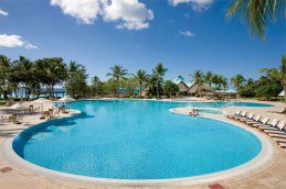 Dreams La Romana Resort & Spa - Activities - The main pool at Dreams La Romana is an ideal place to relax and enjoy the breathtaking views of the Caribbean