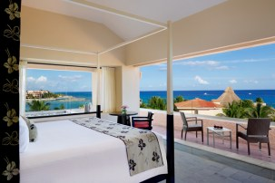 Dreams Puerto Aventuras Resort & Spa - Accommodations - Jacuzzi Suite