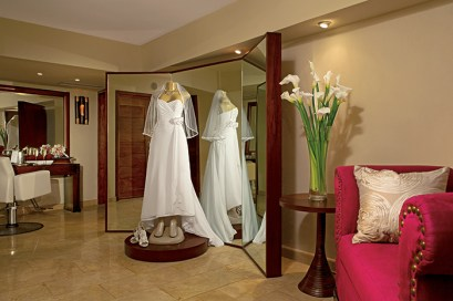 Dreams Palm Beach Punta Cana - Weddings - The Bridal suite at Dreams Palm Beach features a salon area for hair and makeup, making it the perfect place for the bride to start her wedding day