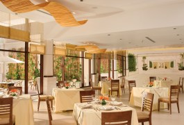 Dreams Riviera Cancun Resort & Spa - Restaurants & Bars - World Cafe
