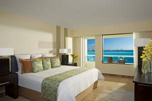 Dreams Sands Cancun Resort & Spa - Accommodations - King Suite Balcony
