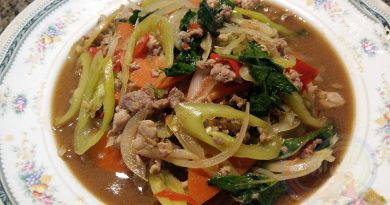 Pork basil with chilli