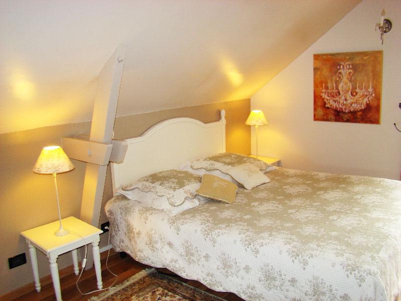 Chambre Dhte Grand Confort Romantique La Belle De Nuit