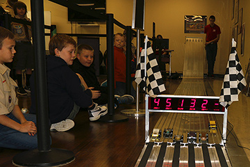 pinewood_derby_210215_IMG_7256-360