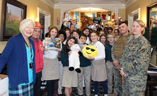 U S Marines Visit Harbor Country Day School To Collect