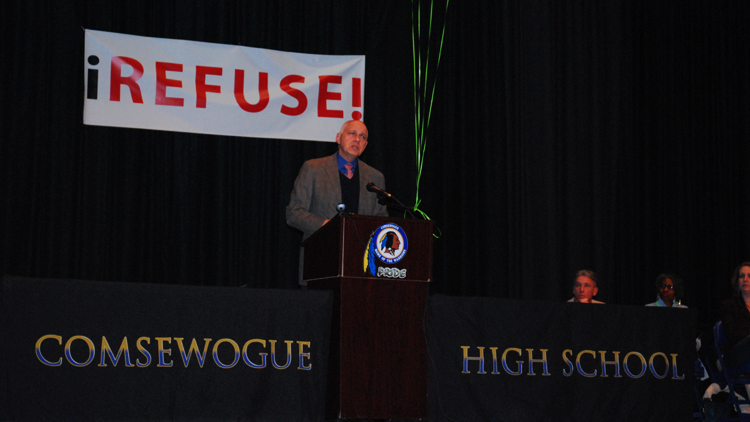 "New York State United Teachers union President Richard Ianuzzi blasts Common Core at the ""iRefuse!"" rally at Comsewogue High School on March 29, the eve of the first round of the education reform's state tests. Hundreds of parents and teachers participated in the protest. (Jaime Franchi/Long Island Press)"