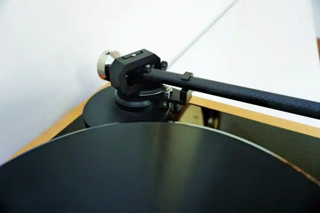 Review: STST Motus II turntable