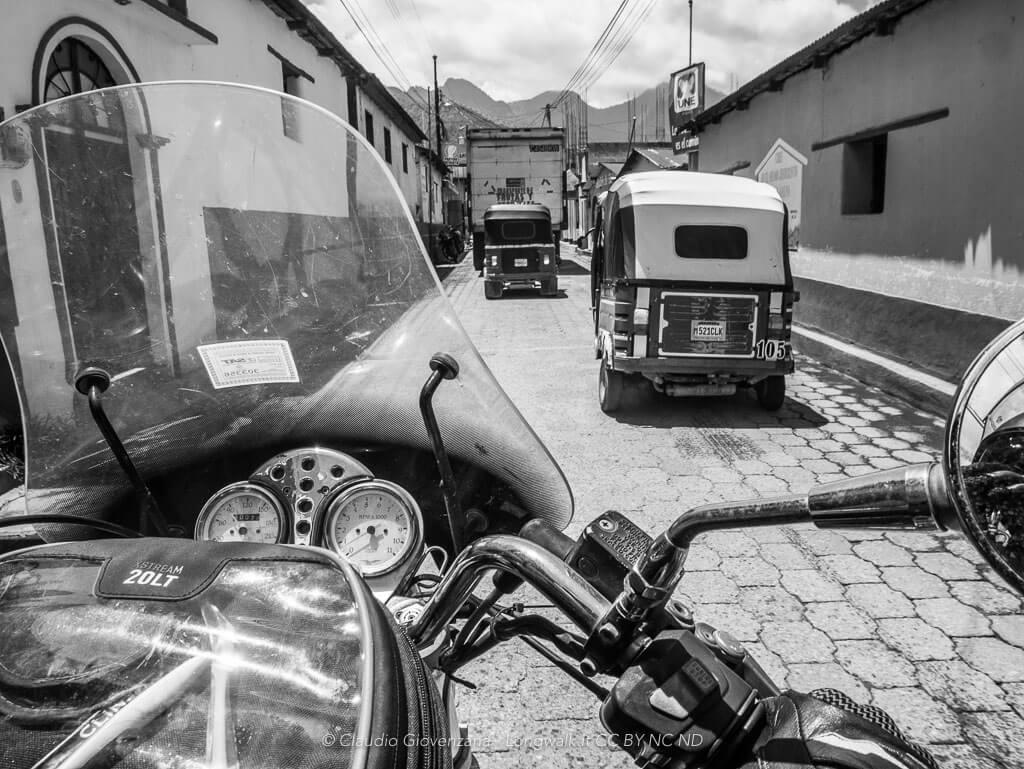 in motoguzzi attraversando il messico