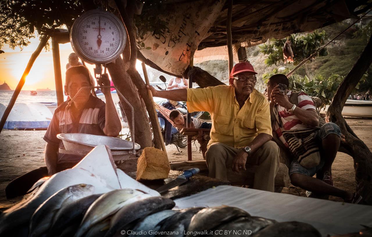 Pescatori di Taganga al mercato