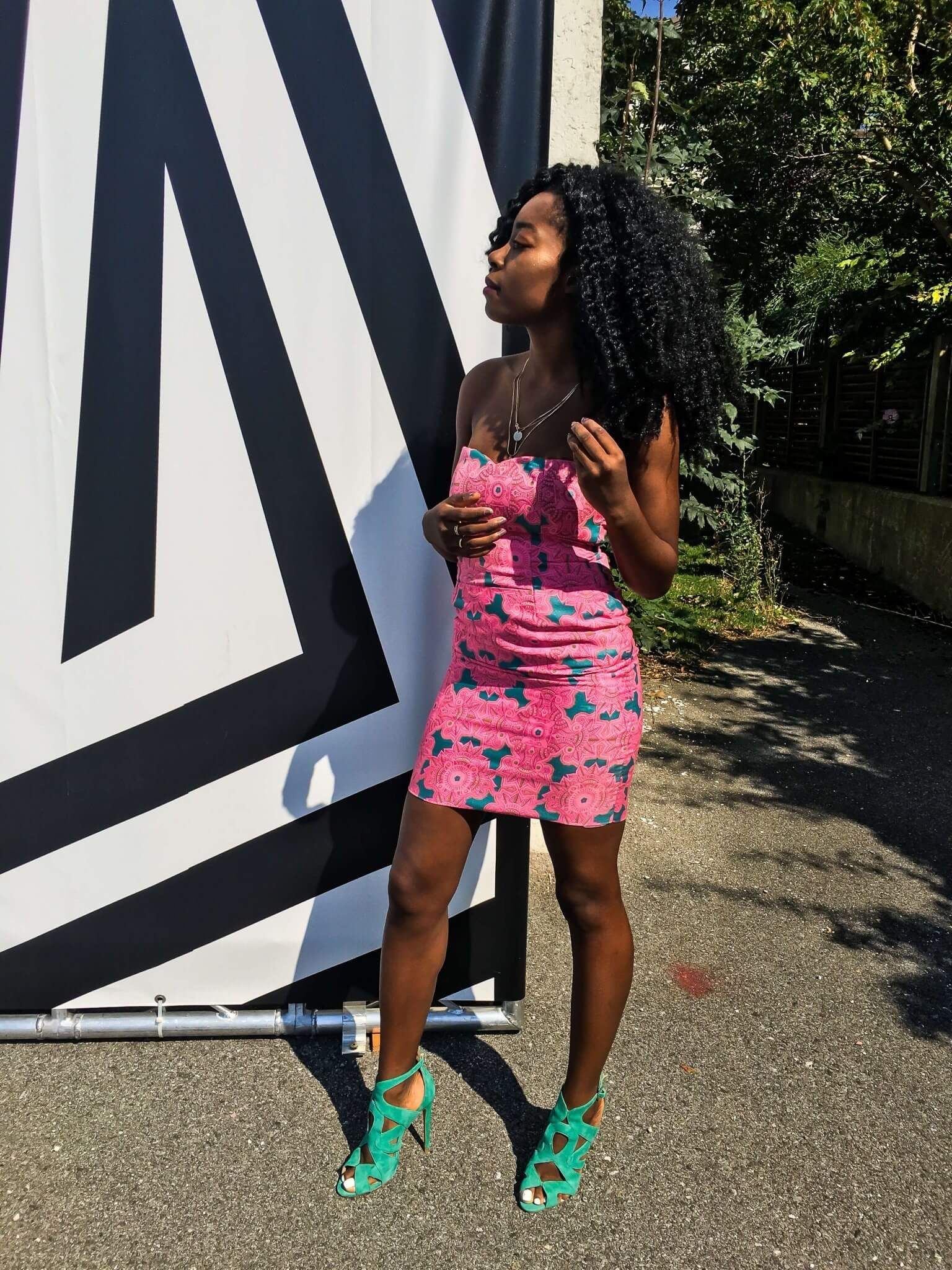 Handgemacht Kleidung mit afrikanischem Muster