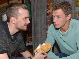 Chris (Eric Stehfest, l.) und Vince (Vincent Krüger)