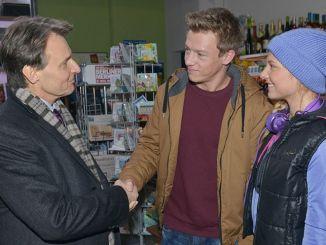 Jo Gerner (Wolfgang Bahro, l.), Vince (Vincent Krüger) und Sunny (Valentina Pahde)