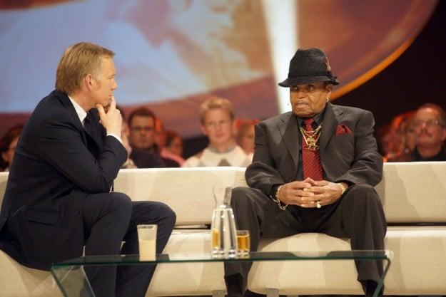 """2009 - Der große Jahresrückblick"" - Joseph Jackson sendet Botschaft an Michael - TV News"