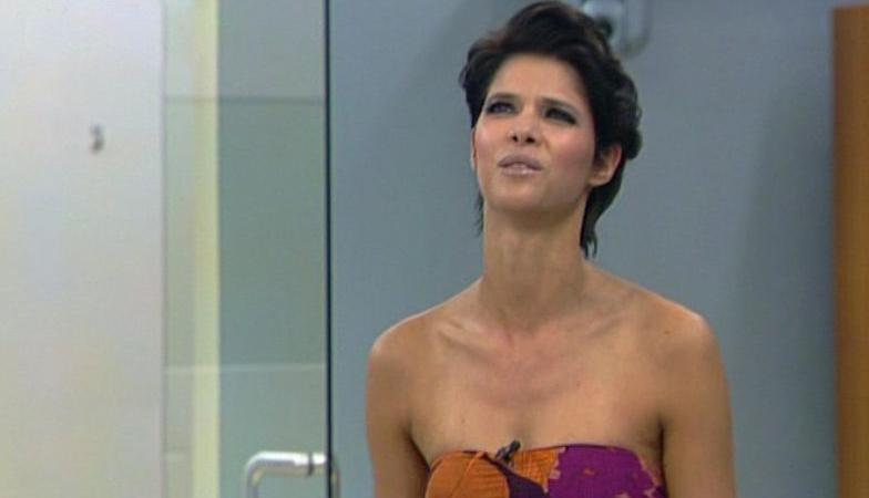 Big Brother 2010: Micaela Schäfer ganz alleine unter Männern