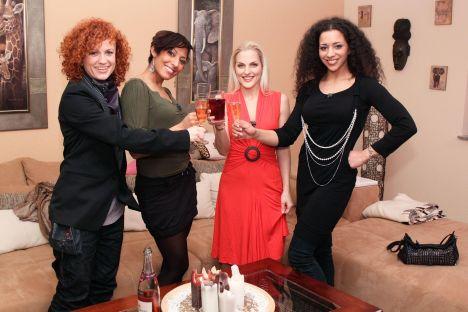 """""""Das perfekte Promi Dinner"""" mit den """"No Angels"""" Jessica, Lucy, Sandy und Nadja - TV"""
