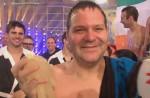 TV Total Turmspringen 2010: Elton mit dem Kopf zuerst - Ilka Semmler & Miram Höller gewinnen Synchronspringen - TV News
