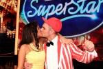 Sarah Engels und pietro Lombardi küssen sich