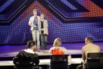 X Factor 2011: Barne Heimbucher und Sebastian Schmidt mit Texthängern - TV News