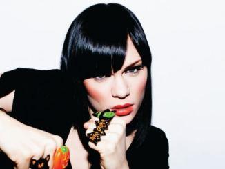Fußbruch lehrt Jessie J Respekt -