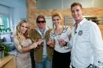 Gastgeberin Annina Ucatis (l.) mit ihren Gästen (v.l.): Claude Oliver Rudolph, Annica Hansen und Norman Langen.