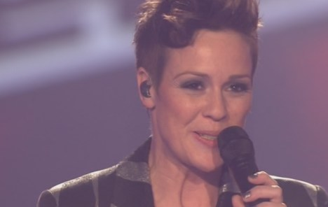 """The Voice of Germany: Sharron Levy mit """"Burning Down The House"""" - TV News"""