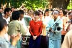Überall im Land schlägt Aung San Suu Kyi (Michelle Yeoh) Bewunderung entgegen
