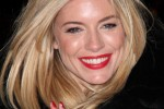 Sienna Miller Turns the London Eye (RED) for World AIDS Day on December 1, 2010