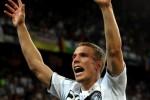 Lukas Podolski: Heimspiel und Facebook - Promi Klatsch und Tratsch