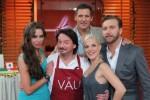"""Grill-Spezial der """"Promi Kocharena"""" bei Liliana Matthäus, Sandy Mölling, Ralf Möller und Niels Ruf geht es um die Wurst! - TV"""