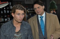Dominik (Raul Richter, li.) und Gerner (Wolfgang Bahro)