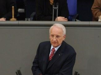 Stoiber schlägt Stefan Raab als Mit-Moderator des Kanzlerduells vor - TV