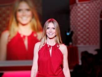 Heidi Klum steht zu ihren gewagten Outfits - Promi Klatsch und Tratsch