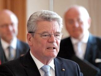 Gauck sieht in Lebenspartnerschaft ohne Trauschein kein Rollen-Modell - Promi Klatsch und Tratsch