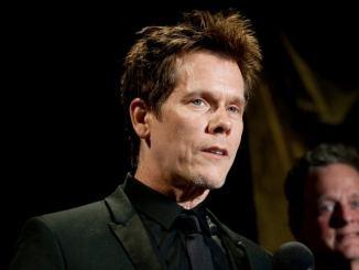 Kevin Bacon gibt sich bescheiden - Promi Klatsch und Tratsch