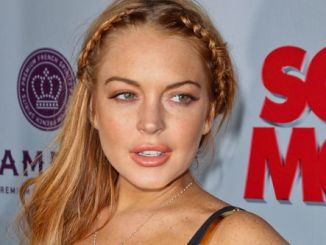 "Lindsay Lohan - ""Scary Movie V"" Los Angeles Premiere"