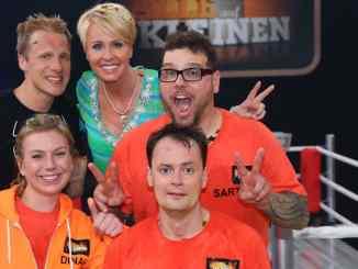 """""""Alle auf den Kleinen"""": Oliver Pocher siegt und spendet! - TV News"""