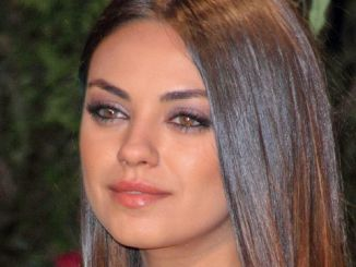 """Mila Kunis - """"Oz the Great and Powerful"""" European Premiere"""