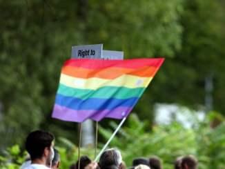Oliver Kahn warnt schwule Kicker vor Coming-out - Promi Klatsch und Tratsch