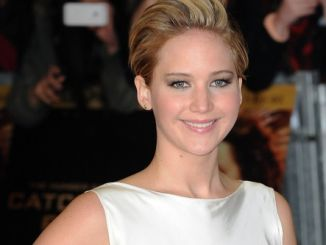 "Jennifer Lawrence - ""The Hunger Games: Catching Fire"" World Premiere - Arrivals"