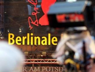 Festspiel-Chef Kosslick sieht Berlinale modisch gleichauf mit Venedig - Promi Klatsch und Tratsch