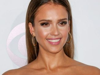 Jessica Alba - 40th Annual People's Choice Awards - Arrivals